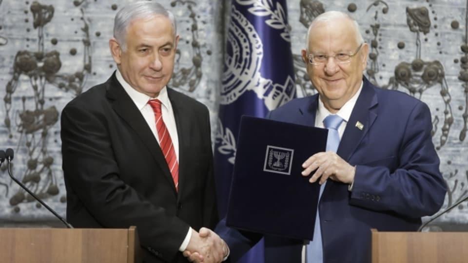 Israels Staatspräsident Reuven Rivlin hat Benjamin Netanjahu mit der Bildung einer neuen Regierung beauftragt.