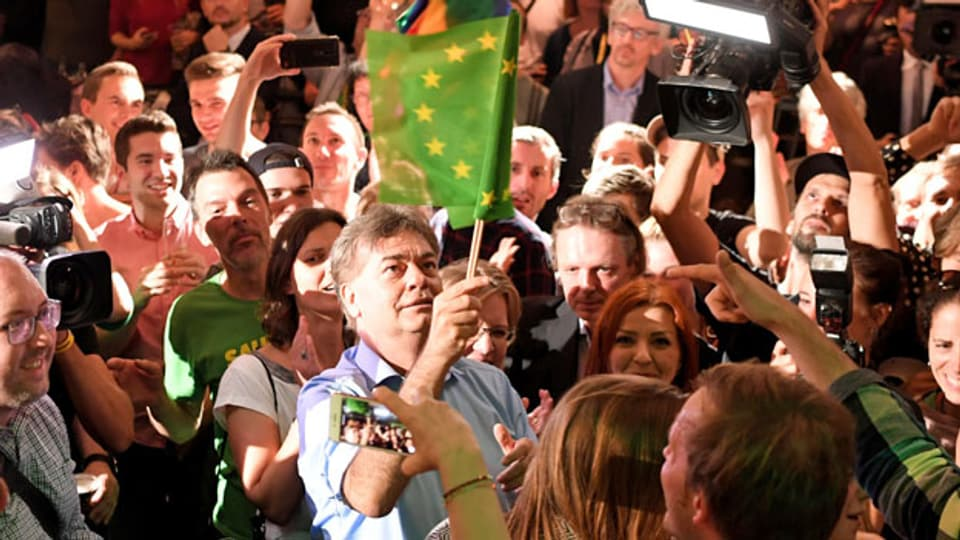 Spitzenkandidat Werner Kogler bei der Wahlfeier der Grünen in Wien.