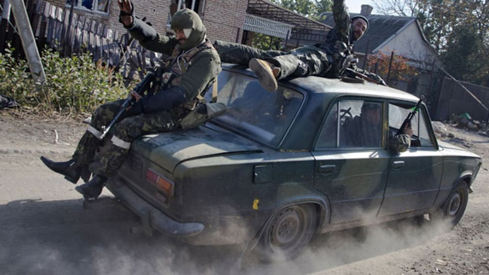 Pro-russische Rebellen in der Nähe von Donezk, Ostukraine, im Oktober 2014.