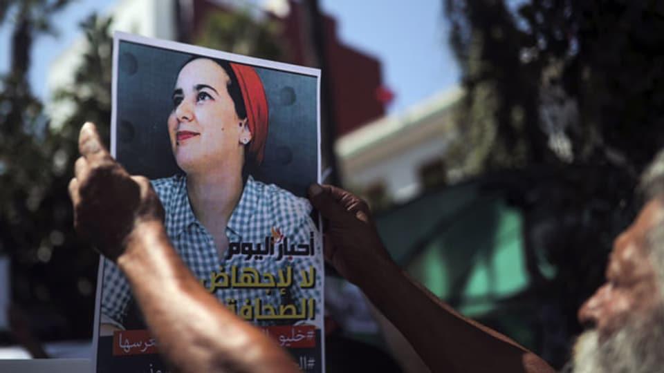 Grosse Solidarität mit verurteilter Journalistin in Rabat.