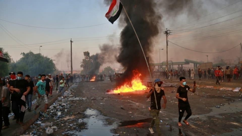 Demonstration auf den Strassen in Baghdad am 3. Oktober.