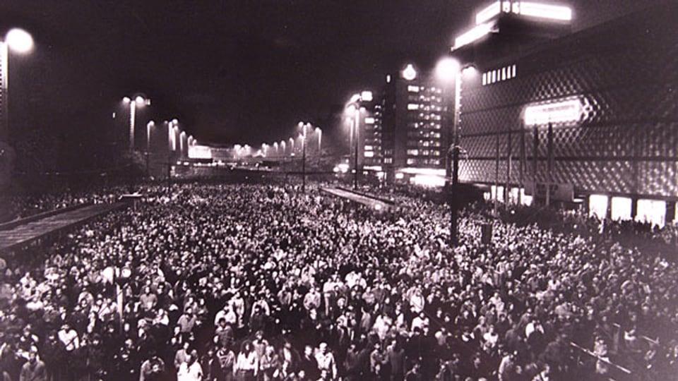 70'000 Personen protestieren in Leipzig (D) am 9. Oktober 1989.