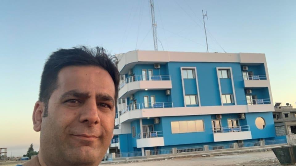 Das nordsyrische Radio «ARTA FM» mit Direktor Sirwan Berko sendet trotz der türkischen Offensive weiter.