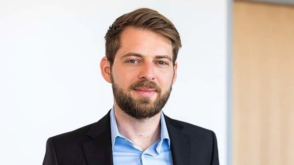 Der Politikwissenschaftler Jannis Grimm untersucht am Institut für Protest- und Bewegungsforschung IPB in Berlin die übergeordneten Motive von Protesten in aller Welt.