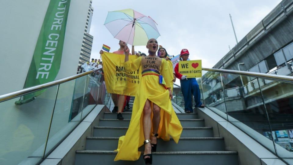Das Bid zeigt LGBT-Menschen in Bangkok