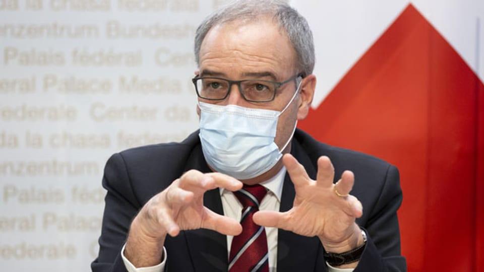 Bundespräsident Guy Parmelin spricht während einer Medienkonferenz des Bundesrates zur aktuellen Lage im Zusammenhang mit dem Coronavirus, am Mittwoch, 13. Januar 2021, in Bern.