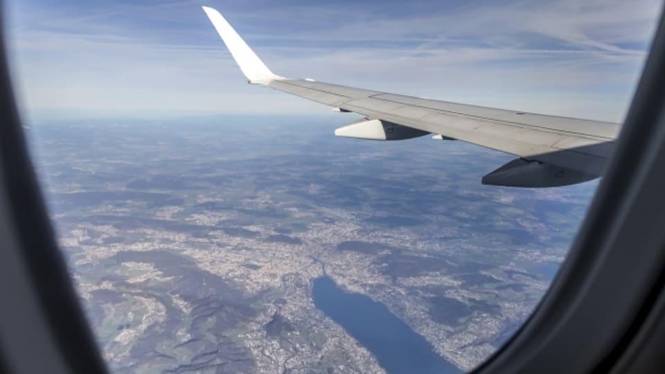 Zürich von oben: Sicht aus einen Flugzeug.