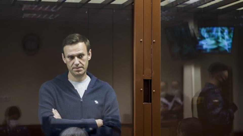 Alexei Nawalny Mitte Februar 2021 im Bezirksgericht Babuskinsky in Moskau. Nun soll sich der Gesundheitszustand von Alexei Nawalny verschlechtert haben. Der berühmteste Gegner von Wladimir Putin ist in einem Straflager in Haft, wo er schon vor einigen Tagen in den Hungerstreik getreten ist.