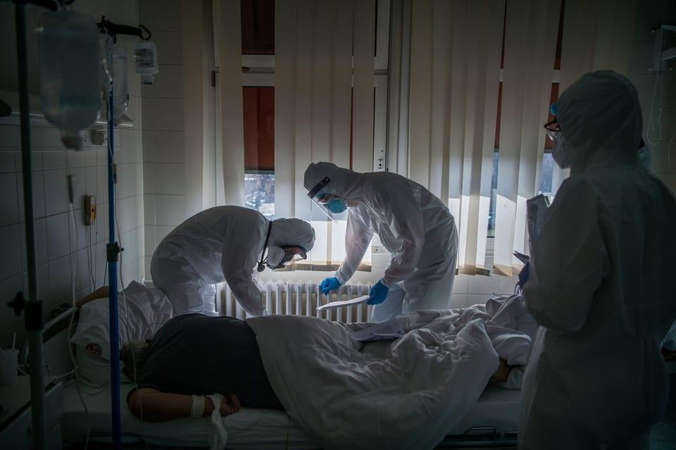Intensiv-Pflegeleute in einem Spital in Budapest