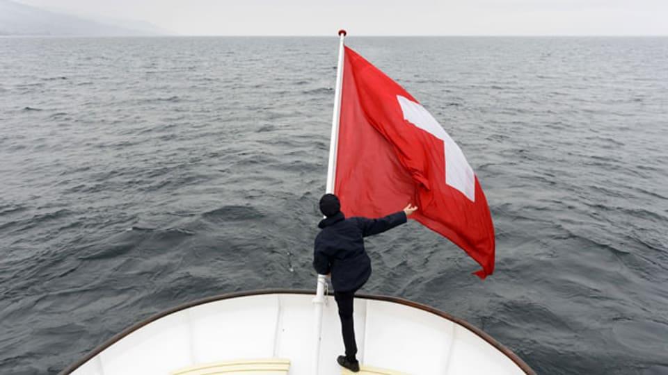 Wie lange flattert das Schweizerkreuz noch auf hoher See?