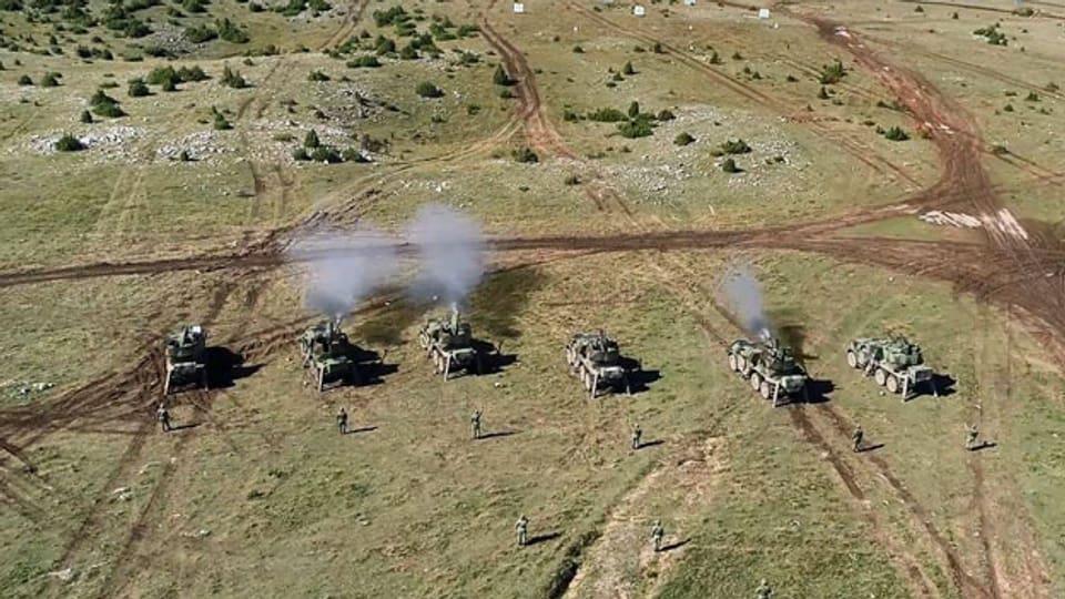 Symbolbild. Die serbische Armee an einer Übung.