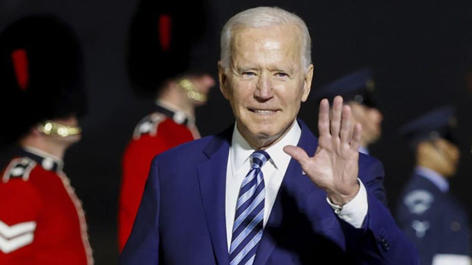 US-Präsident Joe Biden bei seiner Ankunft auf dem Cornwall Airport Newquay, England.