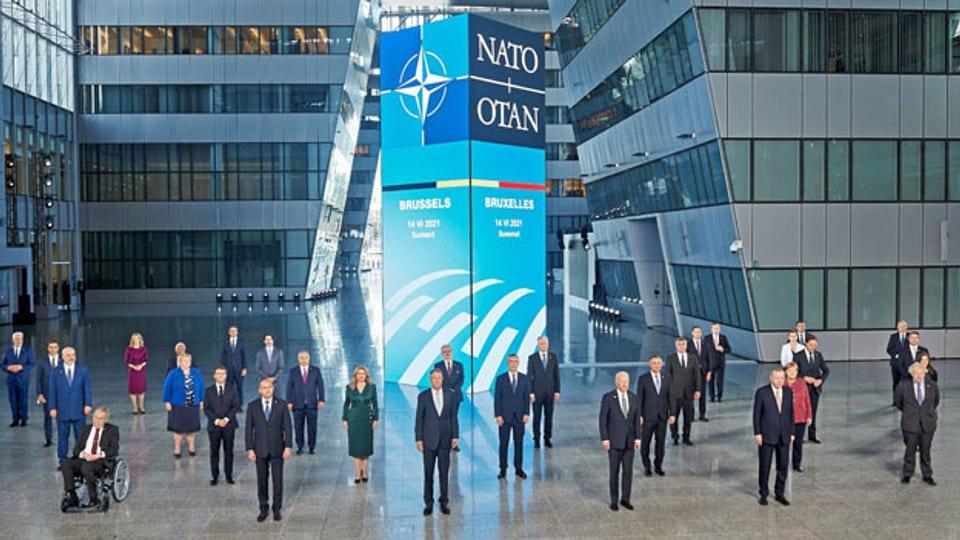 Familienbild der NATO-Staats- und Regierungschefs während ihres Gipfels in Brüssel, Belgien, am 14. Juni 2021.