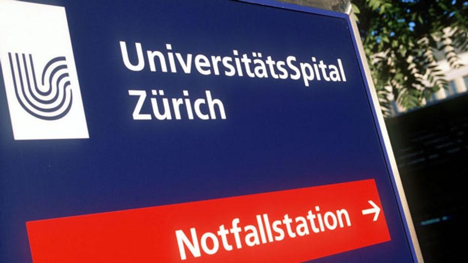 Eingang zum Universitätsspital in Zürich.