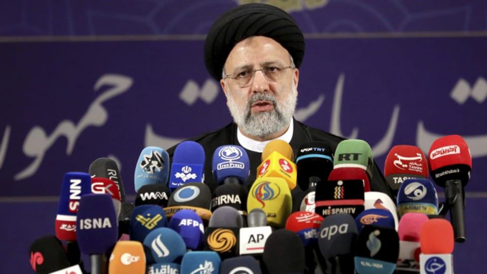 Ebrahim Raisi gilt bei der iranischen Präsidentschaftswahl als Favorit.