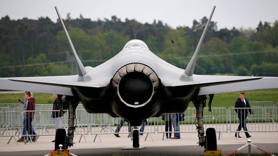 Ein Lockheed Martin F-35 Flugzeug ist auf der ILA Air Show in Berlin.