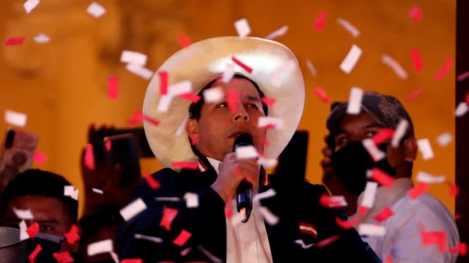 Sechs Wochen nach der Wahl in Peru ist Pedro Castillo neuer Präsident.