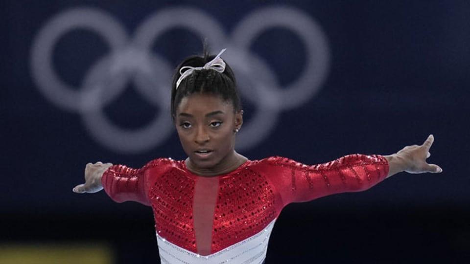 Simone Biles während des Finales der Kunstturnerinnen bei den Olympischen Sommerspielen 2020 am  27. Juli 2021.