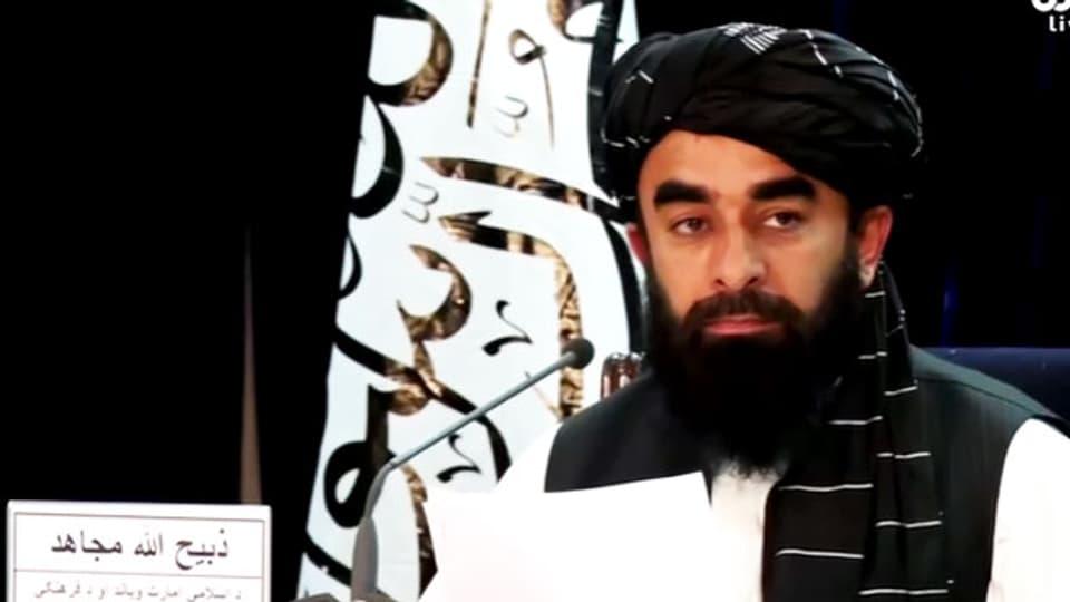 Ein Taliban-Sprecher kündigt neue afghanische Regierung an am 7.9.2021.