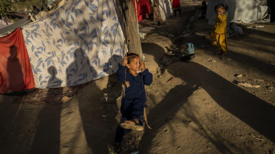 Ein Kind in einem Auffanglager in Kabul im September 2021.