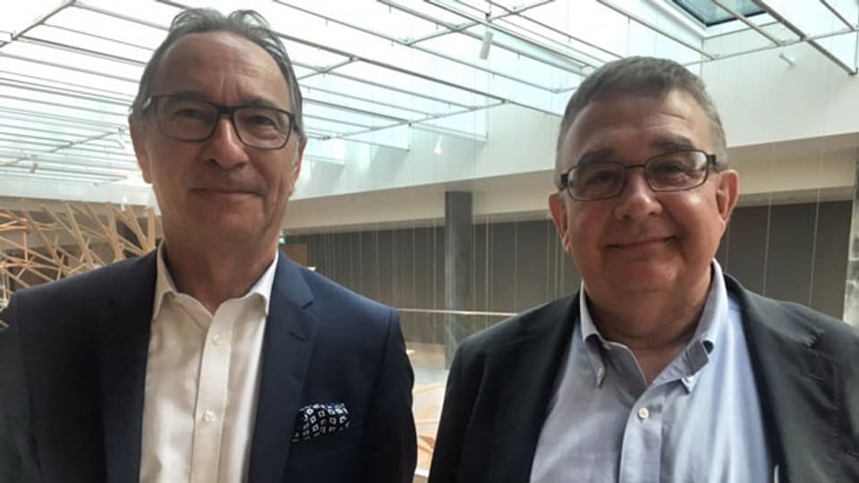 Walter Kunz (links), Geschäftsführer des Schweizer Reise-Verbands und Christian Laesser, Professor an der Universität St. Gallen.