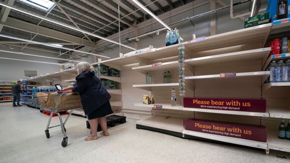Leere Regale in einem Supermarkt in Grossbritannien.