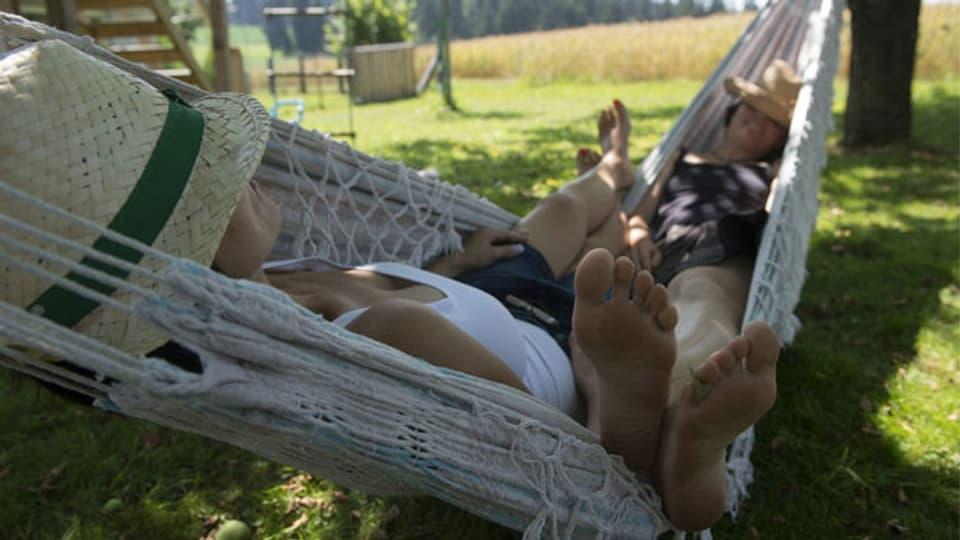 Auch in der Schweiz checken immer mehr Urlauber bei privaten Vermietern statt im Hotel ein. Das kann sich lohnen, hat aber auch seine Tücken. Symbolbild.