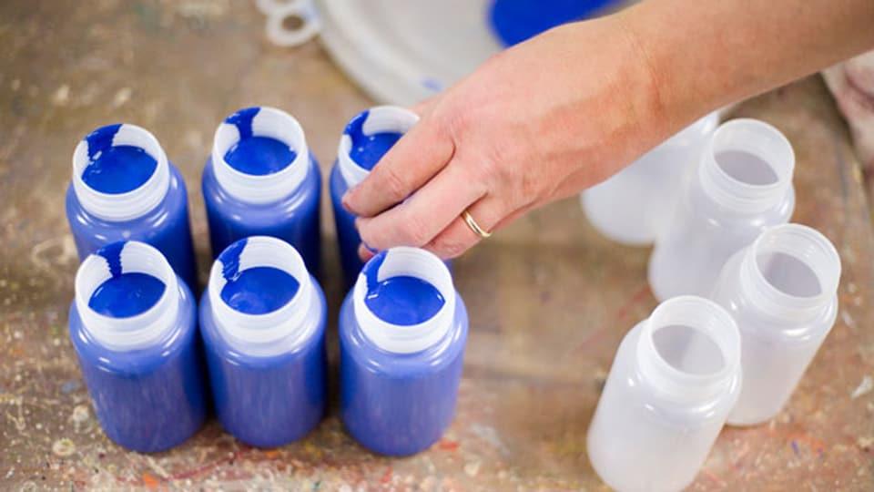 Weg vom Erdöl! Farben, Klebstoffe und Reinigungsmittel können auch aus rein pflanzlichen Grundstoffen hergestellt werden. Symbolbild.