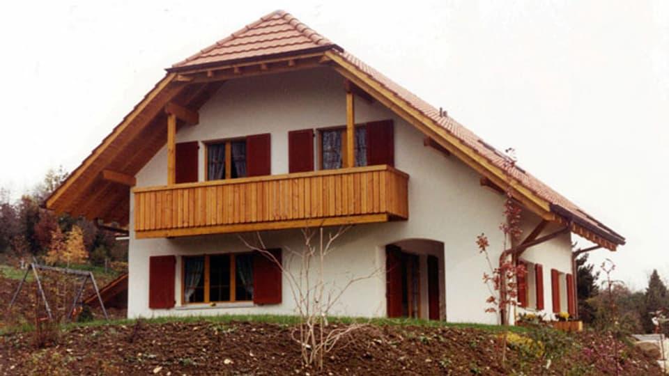 Der Eigenmietwert ist der Betrag, den ein Hausbesitzer einnähme, wenn er sein Haus vermieten würde. Versteuern muss er diesen Betrag  als Einkommen. Symbolbild.
