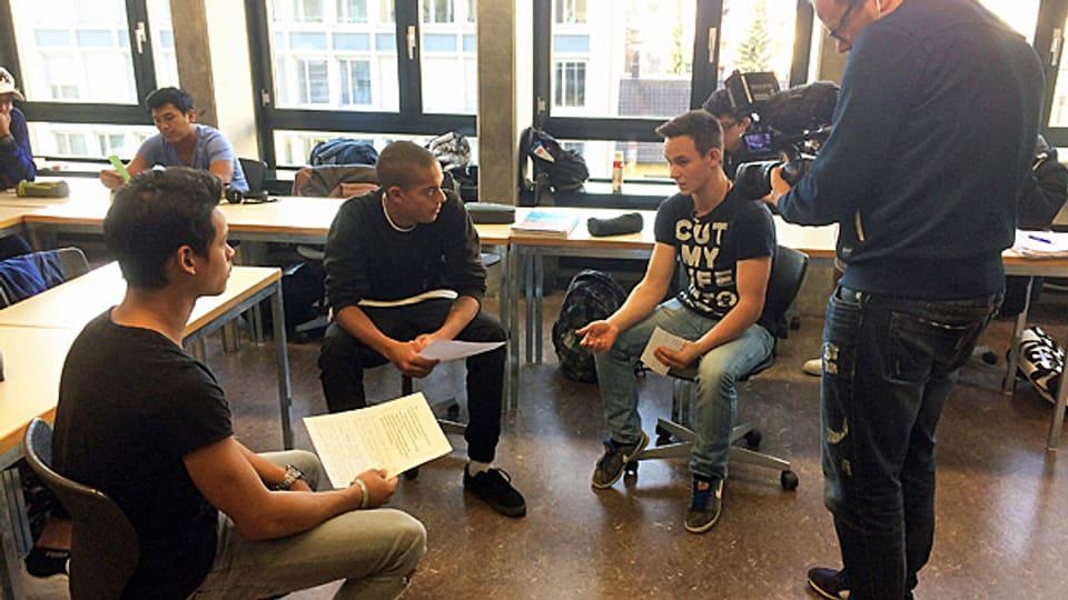 Diskussionen im Klassenzimmer zum Thema Migration.