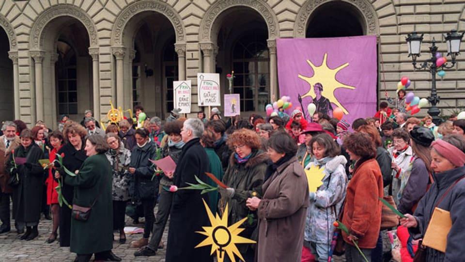 Unter dem Motto - Frauen in den Bundesrat - ist am Dienstag 21. März 1995 in Bern die Initiative 3. März eingereicht worden.