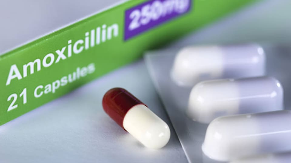Antibiotika werden zu häufig und zu breit eingesetzt. Deshalb verlieren sie ihre Wirkung. Symbolbild.