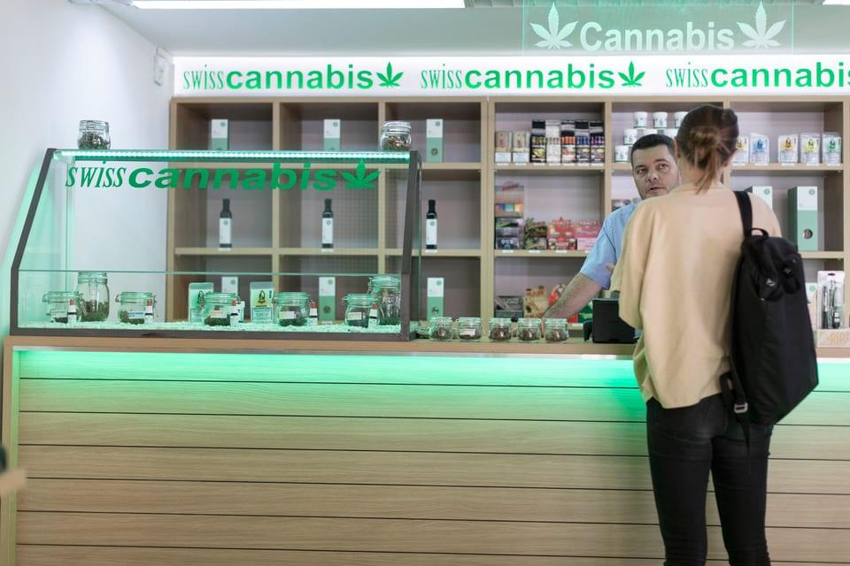 Legales Cannabis: Geschäfte wie dieses in Zürich boomen. Doch nicht alle melden sich beim Bund.