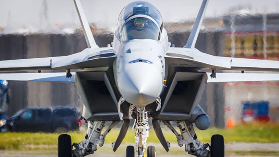 Ein F/A-18 Super Hornet fighter auf dem Flugplatz in Payerne.