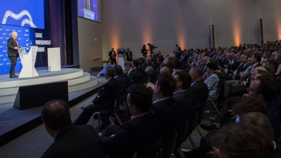 Am SEF in Interlaken treffen sich über 1000 Vertreterinnen und Vertreter der Wirtschaft.