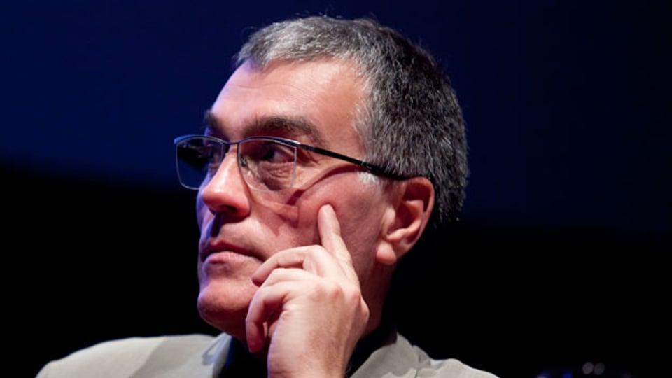 Thomas Metzinger ist Professor für theoretische Philosophie an der Universität Mainz und beschäftigt sich seit über drei Jahrzehnten mit künstlicher Intelligenz und Ethik.
