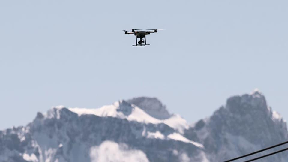 Lästige Drohnen in den Alpen