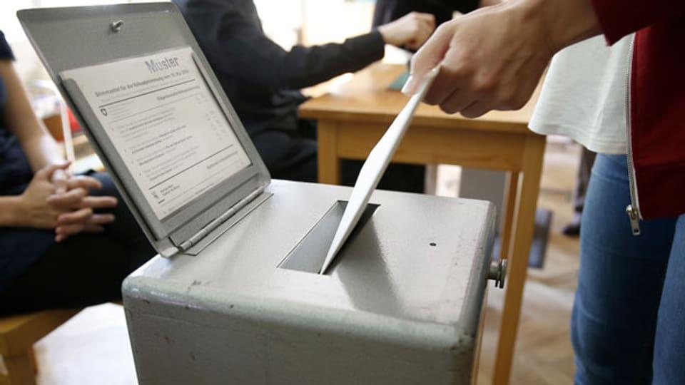 Symbolbild. Wahlurne.