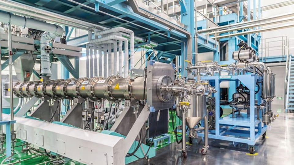 Die Misch-Anlage von Bühler zur Herstellung der Batteriepaste in einer chinesischen Fabrik in Wuxi.