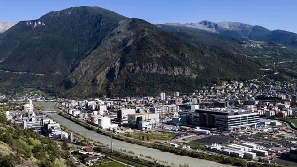 Blick auf das Gelände des Chemie- und Pharmaunternehmens Lonza in Visp.