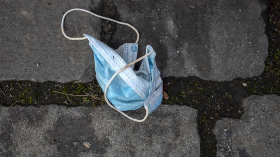 Der Abfall auf den Strassen ist auch ohne Grossveranstaltungen nicht weniger geworden. So manche städtischen Reinigungsdienste müssen Sonderschichten einlegen.
