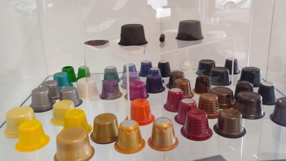 Kaffeekapseln der Firma Säntis Packaging. Die Firma gehört zu den Top 5 der Kaffeekapsel-Produzenten in Europa.