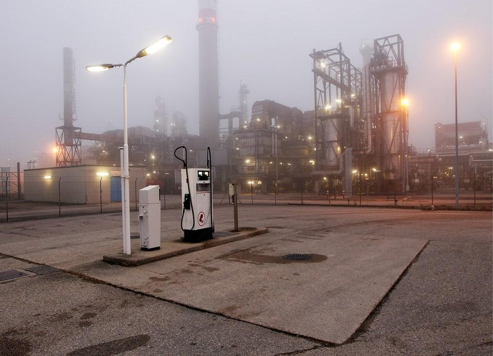 Die Raffinerie Petroplus in Cressier