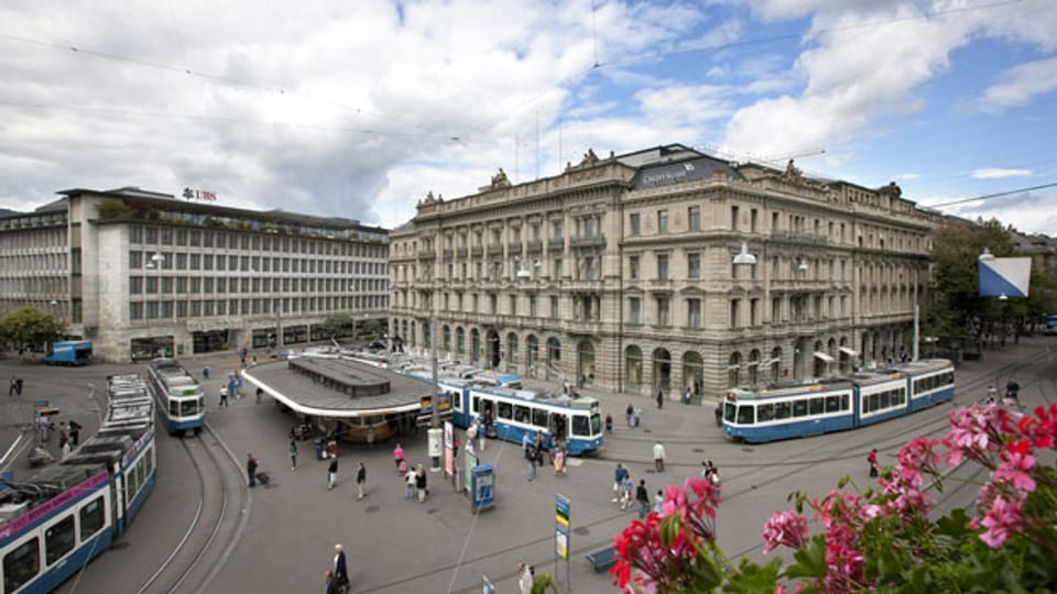 Die zwei grossen Schweizer Banken beim Paradeplatz in Zürich.