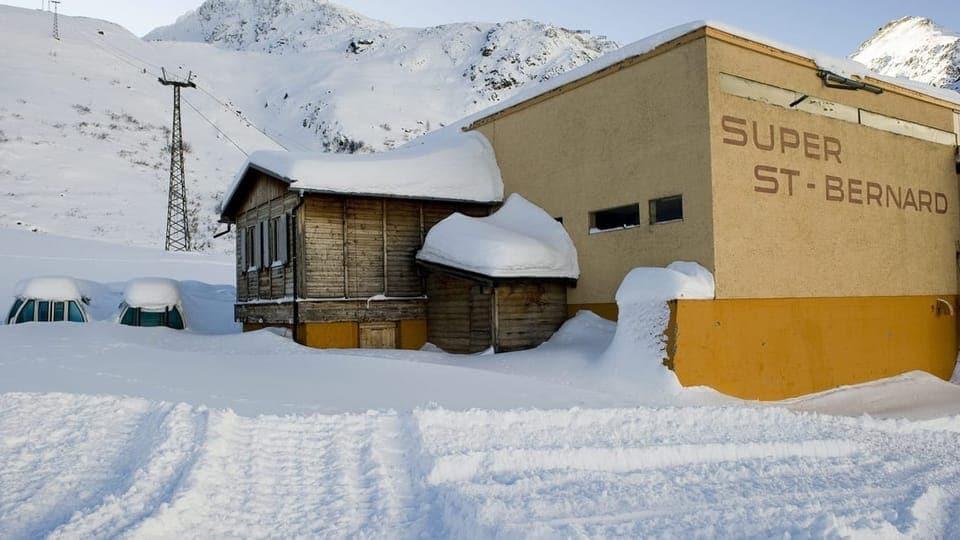 Von Rückbau keine Spur: Die stillgelegte Seilbahn Super Saint-Bernard im Unterwallis rostet vor sich hin.