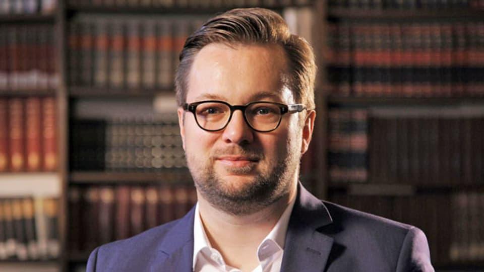 Oliver Nachtwey ist Ökonom und Professor für Sozialstrukturanalyse und untersucht die Folgen der Corona-Pandemie für die Gesellschaft.