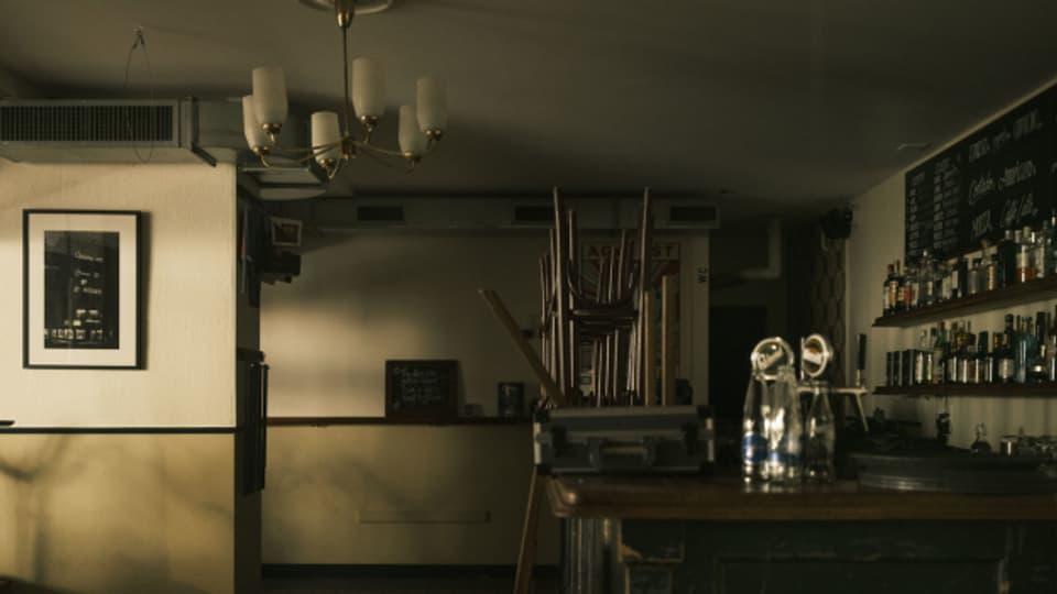 Aufgestuhltes, leeres Restaurant