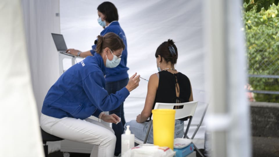 Das Virus hat in den letzten Jahren immer wieder überrascht, darum gilt es nun vorsichtig zu sein.