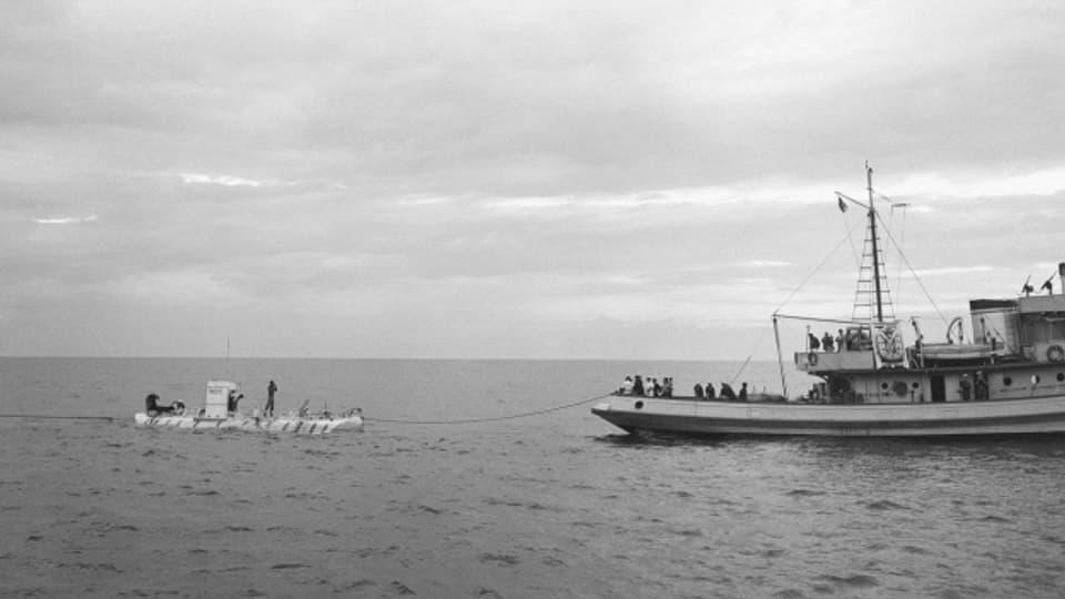 """Mit ihrem Tauchgefährt """"Trieste"""" schaffen Auguste und Jacques Piccard ihren Tiefseerekord am 30. September 1953"""