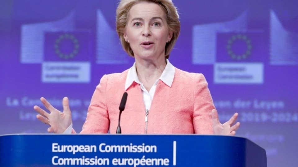 Ursula von der Leyen spricht als designierte EU-Kommissionspräsidentin vor den Medien